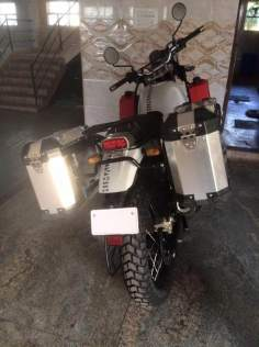 Royal-Enfield-Himalayan-white-rear-with-panniers-spied